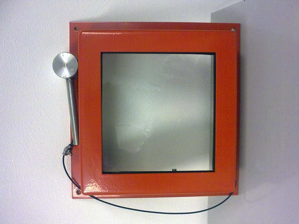 c02-break-glass-box-rolls-royce